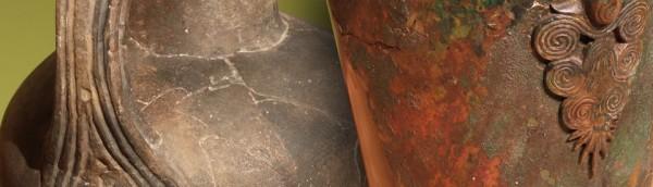 Zahlreiche Originale zeigen in der Ausstellung die detailreiche Verzierungen keltischer Handwerkskunst.