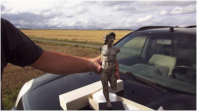 Screenshot: Wolfgang Theis berichtet über seine archäologische Suche, © Claudia Reiche, Helene von Oldenburg 2020